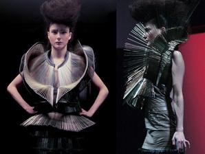 Iris Van Herpen. Fashion Presentation. 'MID_E 08'.- ESTUDIO YOX