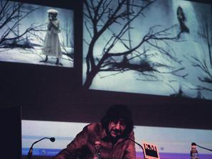 Conferencia de Eugenio Recuenco en MID_E 08.